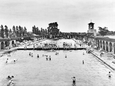 Archive picture of the Highfields Lido
